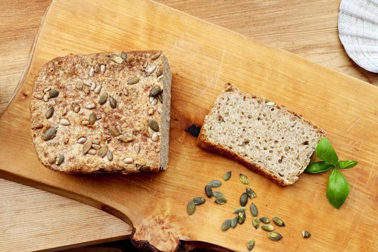 Eltefritt brød bakt over natten. foto.